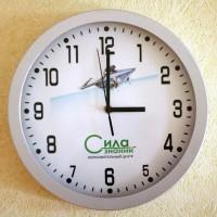 Настенные часы с полноцветной запечаткой циферблата.